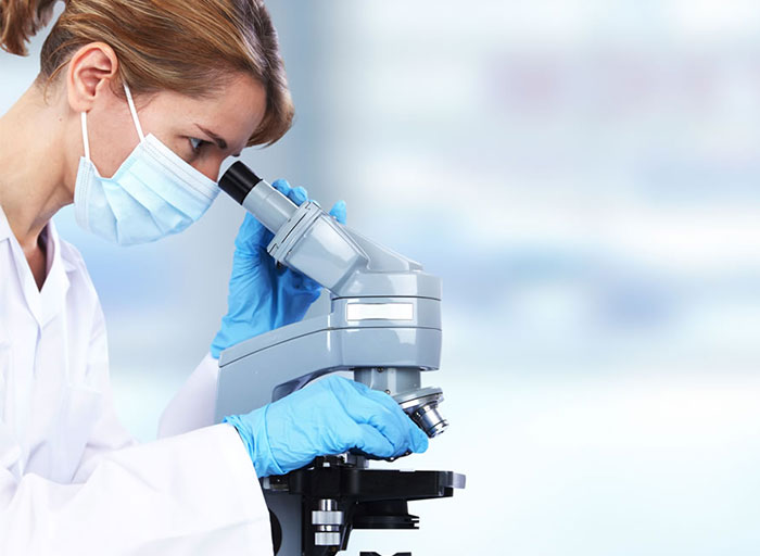 biopsia-microscopio